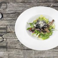 Beef tenderloin salad with sesame