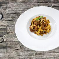 Tagliatelle Pepperonata (with beef tenderloin, salsa and vegetables)