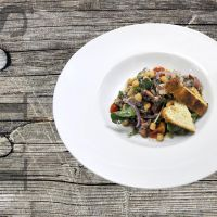 Octopus salad with chickpeas